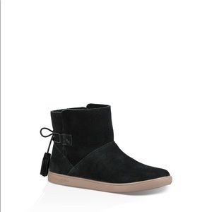 Ugg booties black new classic suede casual boho